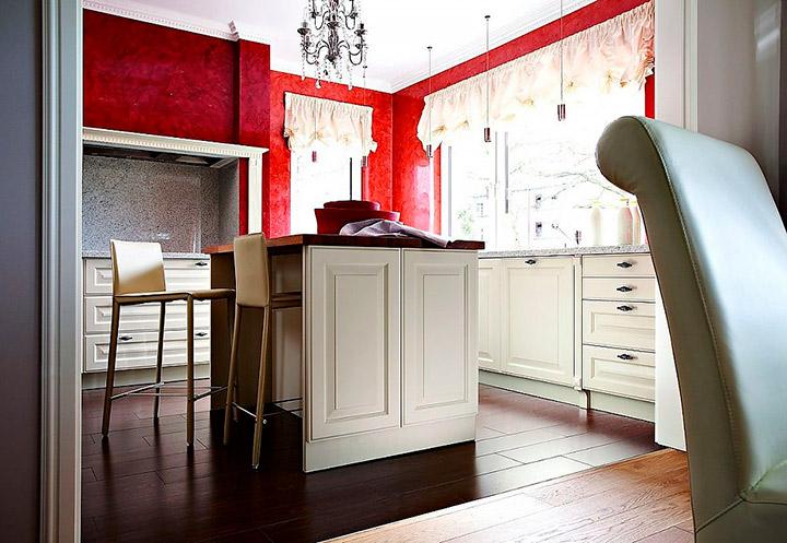 кухня бежевая с красным