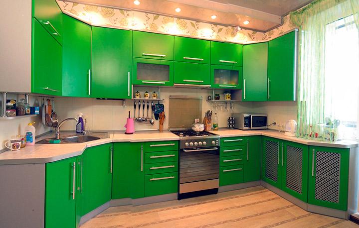 гарнитур зеленого цвета